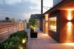 ambiance_terrasse_elegance_lisse_brun_exotique_HD