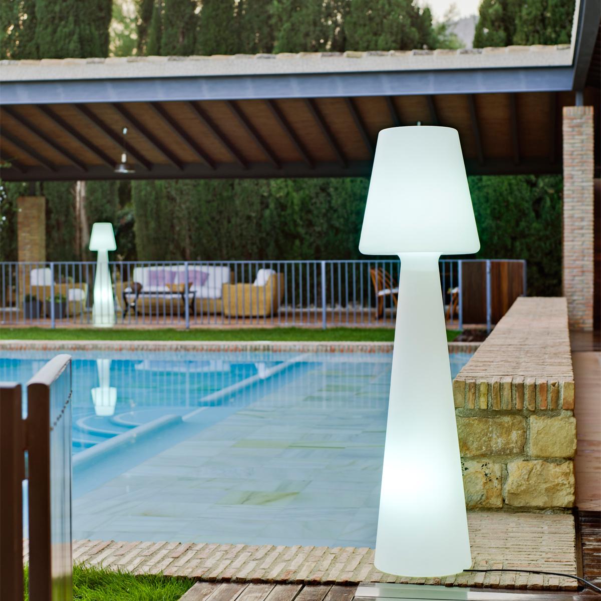 Mobilier ext rieur terrasse bois composite am nagement for Mobilier exterieur terrasse